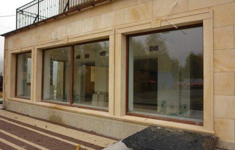 Fassade aus gesägten Sandsteine - Stärke 2cm